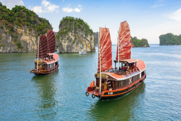 Hanoi to Halong Bay Cruise Tour